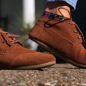 Women Toms shoes
